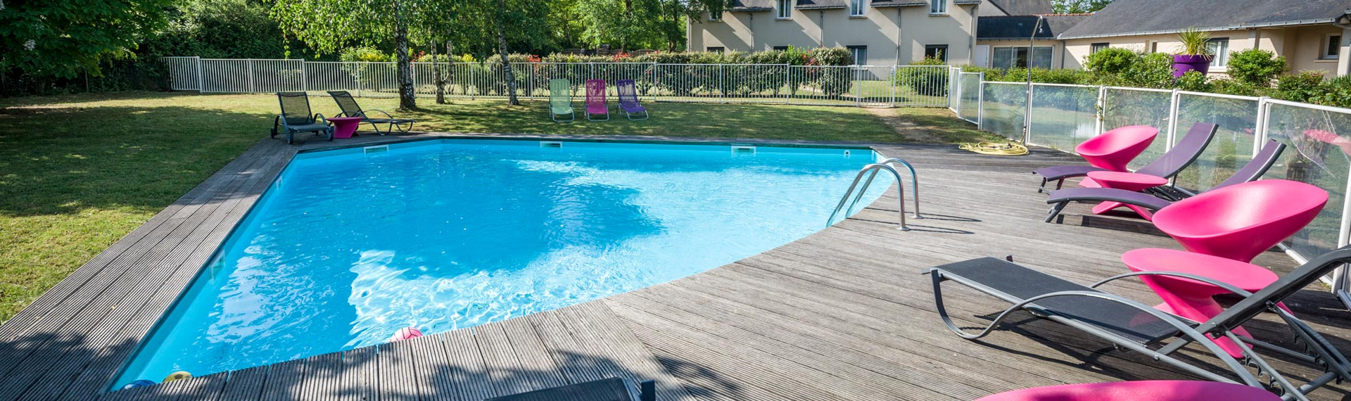 Loire piscine jardin 40 ans d 39 exp rience cr ation for Piscine jardin